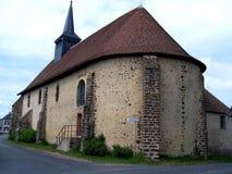 Chiesa, una piccola chiesa in un villaggio nella campagna, loir et Cher, Francia immagini stock libere da diritti
