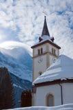 Chiesa vicino all'area dello sci di Grindelwald Alpi svizzere all'inverno Fotografie Stock Libere da Diritti