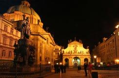 Chiese di Praga alla notte Fotografie Stock Libere da Diritti