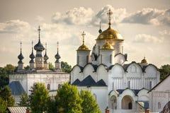 Chiese russe tradizionali in campagna immagine stock