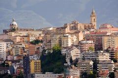 Chieti en av huvudstäderna av Abruzzo fotografier med baksidan Royaltyfri Fotografi