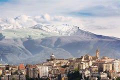 Chieti en av huvudstäderna av Abruzzo och Maiella Arkivbilder
