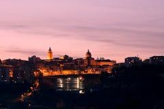 Chieti stad i Abruzzo, på solnedgången (Italien) Royaltyfria Foton