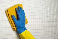 Chiffon jaune à nettoyer Images stock