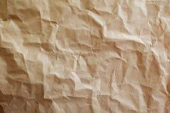 Chiffonnez le fond de papier brun de texture photos libres de droits