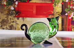 Chiffre décoratif fait main de verre vert fondu Photos stock