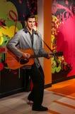 Chiffre de cire américain en retard d'Elvis Presley de vedette du rock aux tussauds de Madame à Hong Kong image stock