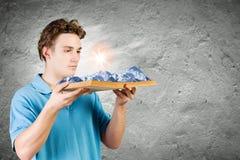 chiffre dimensionnel homme trois du beau livre 3d d'illustration très Photo stock