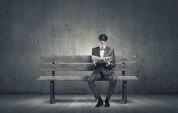 chiffre dimensionnel homme trois du beau livre 3d d'illustration très photos libres de droits