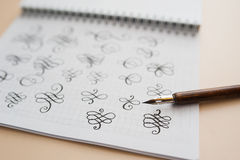 Chiffres calligraphiques abstraits stylet aigu de dessin de main Images libres de droits