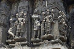 Chiffres découpés, mur externe de temple, près de temple de Palasdeo, barrage d'Ujani, maharashtra photo libre de droits
