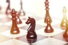 Chiffres d'échecs - concept de stratégie et de direction Image libre de droits