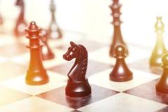 Chiffres d'échecs - concept de stratégie et de direction Images stock