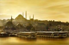 Chifre dourado da mesquita de Suleymaniye imagens de stock