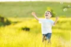 Free Child Bubble Royalty Free Stock Images - 9738279