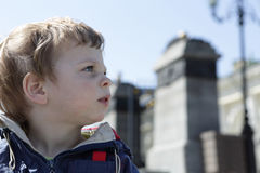 Child in city Royalty Free Stock Images