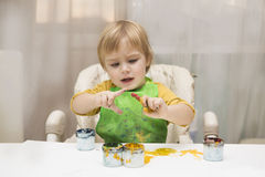 The child draws Royalty Free Stock Image
