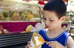 Child eating ice cream Royalty Free Stock Photos
