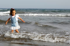 Child and ocean Royalty Free Stock Photos