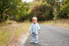 Child on the path Royalty Free Stock Photos