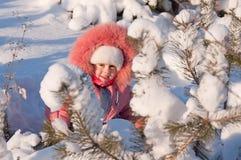 child playing snow 库存照片