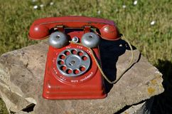 Child& x27; s葡萄酒玩具电话 库存照片
