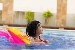 Child swimming Royalty Free Stock Photos