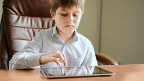 Child with tablet computer Royalty Free Stock Photos