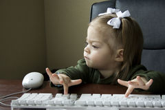 Child using Computer Royalty Free Stock Photos