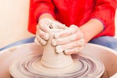 Child& x27; keramische Handwerkkünste s Lizenzfreie Stockfotos