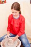 Child& x27; keramische Handwerkkünste s Lizenzfreies Stockfoto