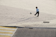 Childern戏剧橄榄球 免版税库存图片