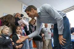 Childern de vergadering van Romney van Josh Royalty-vrije Stock Foto's