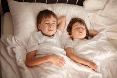 childern sova för underlag royaltyfria foton