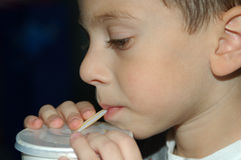 childing выпивать Стоковое Изображение