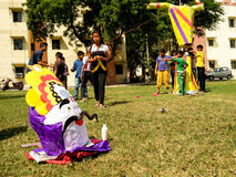 Children build the effigy of Ravan for Dussera celebrations Stock Photography