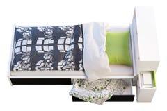 Children& x27; cama de s com cabeceira 3d rendem imagem de stock royalty free