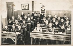 Free Children Classmates Teacher Classroom Vintage Photo Royalty Free Stock Images - 163732019