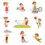 Children niepowodzenia i błędy ustawiający, udaremniający dzieciaki doświadcza ich niepowodzenie wektorowe ilustracje na bielu royalty ilustracja