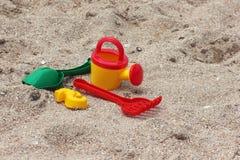 Children piaska zabawki na plaży Zdjęcia Royalty Free