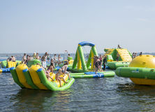 Children playing in aqua splash park Royalty Free Stock Photo
