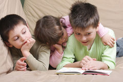 Children reading Stock Photography