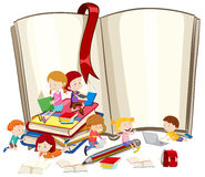 Children reading books together Royalty Free Stock Photos