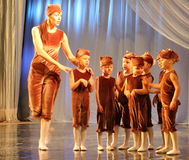 Children's choreography on stage Stock Photography