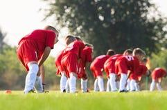 Children& x27; s-Fußballteam Lizenzfreie Stockfotos