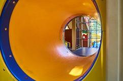 children& x27; s speelplaats in een openbaar park, kid& x27; s vermaak en recreatie royalty-vrije stock afbeelding