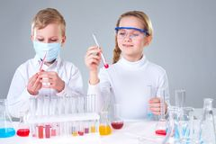 Children scientists Royalty Free Stock Photos