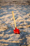 Children shovel at the beach Royalty Free Stock Photography