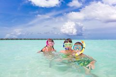 Children snorkeling in sea Royalty Free Stock Photography