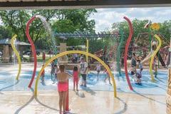 Free Children Splash Pad Or Spray Ground Parr Park, Grapevine, Texas, Stock Photos - 117809063